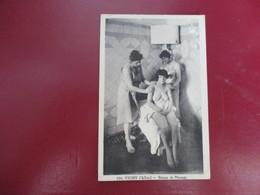 CPA 03 VICHY SEANCE DE MASSAGE FEMME NUE - Vichy
