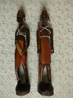 Couple De Statuette En Bois Décoré De Perle H31cm Afrique Origine à Déterminer?. - African Art