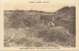 55 SAINT MIHIEL Fort Du Camp Des Romains Un Fossé - Saint Mihiel