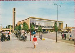 EINDHOVEN Railway Station Bahnhof Cars Opel Oldtimer Retro (In Zeer Goede Staat) - Eindhoven