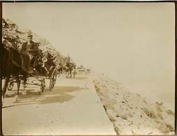 280518 - PHOTO 1905 - MONTENEGRO CETINJE Sur La Route - Col - Attelage - Montenegro