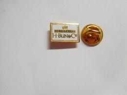 Beau Pin's En EGF , Champagne H. Blin & Cie , Vincelles , Marne - Boissons