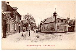 AISNE - Dépt N° 02 = VENDEUIL Avant Guerre = CPA NEUVE  SUPERBE + ANIMATION = La Rue Glaucarne - Frankreich