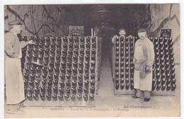 Marne - Le Vin De Champagne - Epernay - Caves De La Maison Mercier & Cie - Empilage Des Bouteilles - Epernay