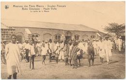 HAUTE VOLTA, BOBO DIOULASSO - Sortie De La Messe - Missions Des Pères Blancs - Burkina Faso