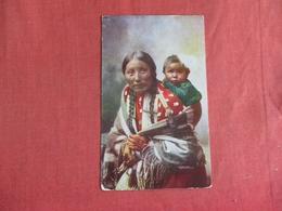 Stella Yellow Shirt & Baby  Sioux    Ref 2969 - Indiens De L'Amerique Du Nord