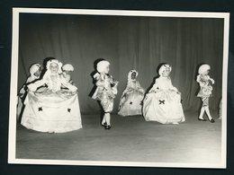 #37-PHOTO ORIGINALE (11X16 OU 12X17) DE SPECTACLE DE FIN D'ANNÉE DANS UNE ÉCOLE AU MAROC (ANNÉE ENV. 1950) - Photos