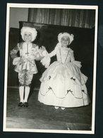 #38-PHOTO ORIGINALE (11X16 OU 12X17) DE SPECTACLE DE FIN D'ANNÉE DANS UNE ÉCOLE AU MAROC (ANNÉE ENV. 1950) - Photos