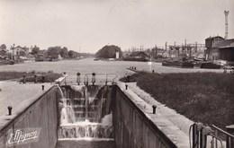 MIGENNES L'ECLUSE ET LE PORT SUR LE CANAL DE BOURGOGNE (dil370) - Migennes