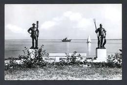 Hungria. Balatonfüred *Statues By J. Pásztor 1881-1945* Foto: Tulok Ferenc. Circulada. - Hungría