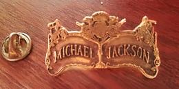 Pin's MICKAEL JACKSON   Qualité Top 4 Cm   P46 - Musique