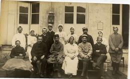 CARTE-PHOTO Hôpital, Infirmières, Militaires Blessés - Militaria