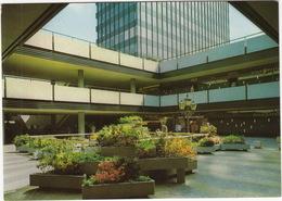 Berlin - Europa-Center - Blumenhof / Flower Courtyard - 'GOLD' Neon - Mitte