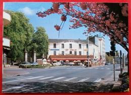 Cpm 36 CHATEAUROUX  Hotel De La GARE - Chateauroux