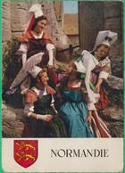 14 - Le Bessin Et Le Bocage - Jeunes Paysannes D'Harcourt, Vassy, Norrey Et Environs Bayeux(blason) -Editeur: C.A.P N°42 - France