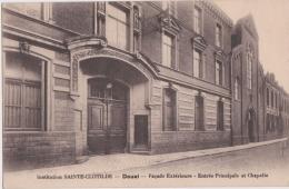 Bp - Cpa DOUAI - Institution SAINTE CLOTILDE - Façade Extérieure - Entrée Principale Et Chapelle - Douai
