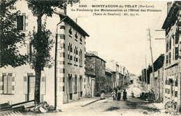 MONTFAUCON En VELAY = Le Faubourg Des Maisonnettes Et L'hôtel Des Platanes - Montfaucon En Velay