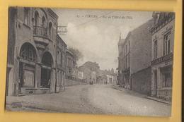 C.P.A. VIRTON - Rue De L'Hotel De Ville - Virton