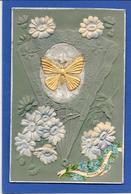 Cpa EVENTAIL Fermé Décor De Papillon Doré Sur Fond Velour, Fleurs. Gaufrée, Relief, Embossed - Non Classés