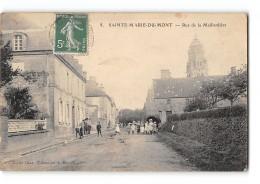 CPA 50 Sainte Marie Du Mont Rue De La Maillardiere - France