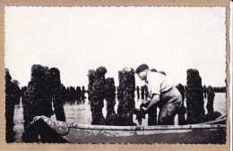 Nw2903→ Edition Rare ESNANDES Carte-Photo-Bromure (17) Moules Bouchots à Naissains Boucholeur 1950s Etat Parfait - France