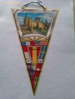 Banderín Del Alcázar De Segovia. Castilla Y León. España. Años '60-'70 - Escudos En Tela