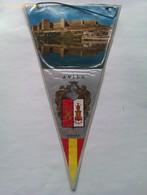 Banderín De La Muralla De Ávila. Castilla Y León. España. Años '60-'70 - Escudos En Tela