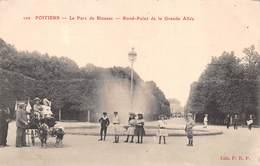 86 - Poitiers - Le Parc De Biossac - Rond-Point De La Grande Allée - Attelage De Chèvres - Poitiers