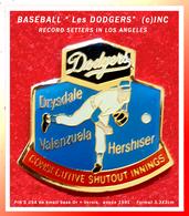 "SUPER PIN'S BASE-BALL USA : ""LES DODGERS"", LOS ANGELES 1991, émail Base Or + Vernis, Format 3,3X3cm - Baseball"