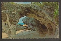 Natural Arches Beach Tucker's Town, Bermuda - Uunsed - Bermuda