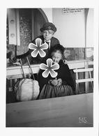 PHOTO(RETIRAGE)  Mai 1918 EVIAN  74 HAUTE SAVOIE CORRESPONDANT DE LA CROIX ROUGE AMERICAINE. . - Reproductions