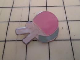 Pin2217 Pin's Pins / Rare Et De Belle Qualité / THEME : SPORTS / PING-PONG TENNIS DE TABLE RAQUETTES BALLE - Table Tennis
