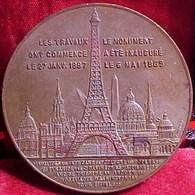 MEDAILLE SOUVENIR  ASCENSION AU 1er ETAGE DE LA TOUR EIFFEL , 1889 , Cuivre 42 Mm  EIFFEL TOWER COPPER MEDAL FRANCE - Professionals / Firms