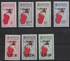 ⭐ Madagascar - Poste Aérienne - YT N° 47 à 54 ** Sans Le 48 - Neuf Sans Charnière - 1942 ⭐ - Posta Aerea