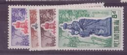 Viêt-Nam N°196 à 199 + 200 à 203** - Vietnam