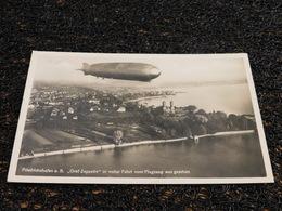 Friedrichshafen A. B. Graf Zeppelin In Voller Fahrt VomFlugzeug Aus Gesehen, Timbre (N5) - Airships