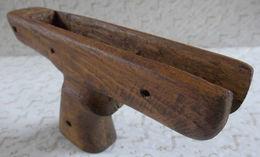 Poignée Artisanale Pistolet Revolver Arbalète Arme De Poing Décoration Factice. - Militaria