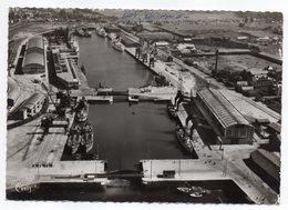 DIEPPE--Vue Aérienne  --Port - Les Bassins  (bateaux ,écluses) - Dieppe