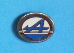 1 PIN'S //  ** LOGO ** ALPINE / RENAULT ** - Rallye