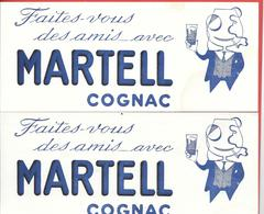 2 Buvards Anciens  COGNAC MARTEL - Illustration Litho D'un Homme Au Monocle, Cigarette à La Bouche Dégustant Son Cognac - Liquor & Beer