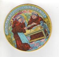 ETIQUETTE DE FROMAGE CAMEMBERT FABRIQUE EN CHARENTE AUX 2 MOINES - Cheese