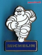 1 PIN'S //   ** BIBENDUM MICHELIN / PNEUMATIQUES ** . (Fraisse) - Andere