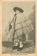 - Pays Div.-ref-L856- Portugal -costumes Portugais - Exposition De Paris 1937- Entre Minho Et Douro - Paysan - - Portugal