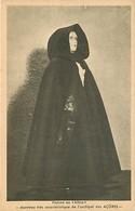 - Pays Div.-ref-L854- Portugal -costumes Portugais - Exposition De Paris 1937- Açores - Femme Au Biôco - Manteau - - Açores