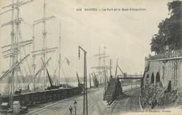 """. CPA  FRANCE 44 """"Nantes, Le Port Et Le Quai D'Aiguillon"""" - Nantes"""