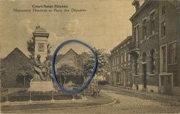 Court-Saint-Etienne :   Monument Henricot Et Place Des Déportée   ( Ecrit Avec Timbre ) - Court-Saint-Etienne