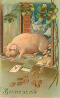 BONNE ANNÉE - Cochon Et Trèfle, Thème De La Chance.(carte Gaufrée) - Schweine