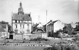 78-LIMAY- LE JARDIN PUBLIC ET L'HÔTEL DE VILLE - Limay