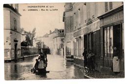INNONDATIONS 1910 CORBEIL RUE DU 14 JUILLET COMMERCES TRES ANIMEE - Corbeil Essonnes