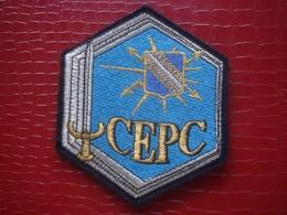 Patch Tissu . CEPC . Centre Entrainement Des Postes De Commandement - Ecussons Tissu